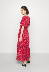 Who What Wear - THE BELTED PUFF SLEEVE DRESS - Maxikjole - confetti dot red - 2