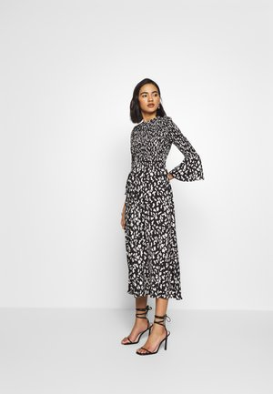 THE SMOCKED MIDI DRESS - Korte jurk - black / white