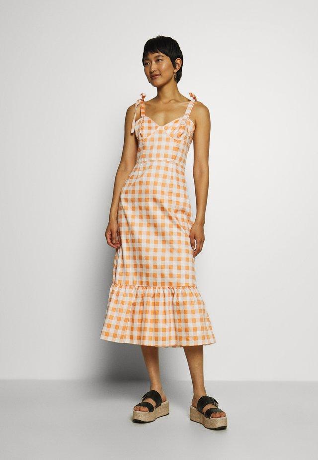 TIE STRAP BUSTIER DRESS - Vestido informal - orange