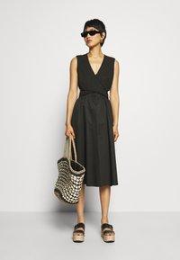 Who What Wear - CROSSOVER DRESS - Vestito estivo - black - 1