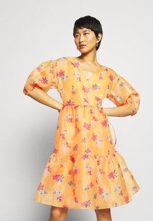 WRAP DRESS - Vestito estivo - blossom orange