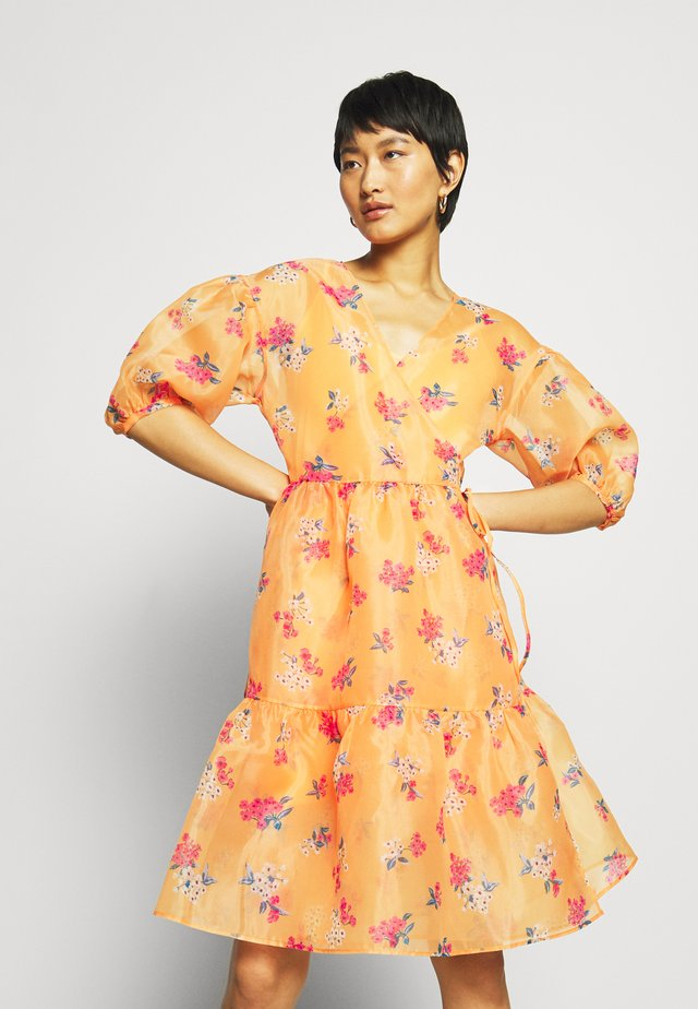 WRAP DRESS - Kjole - blossom orange