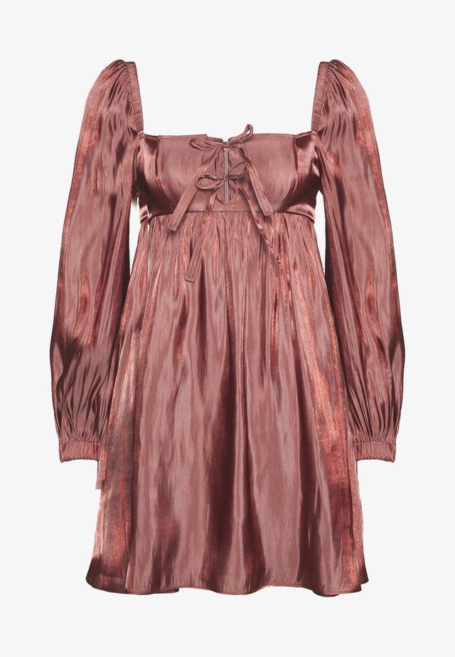 TIE FRONT BABY DOLL DRESS - Korte jurk - dark blush