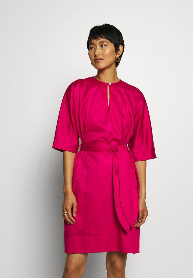 COCOON DRESS - Vestido informal - lipstick