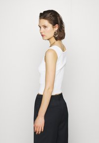 Who What Wear - THE OFF THE SHOULDER - Top - white - 2