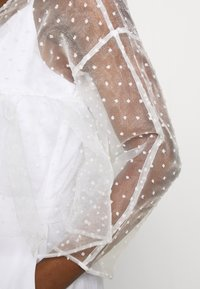 Who What Wear - THE CROPPED BABYDOLL - Blouse - white - 4
