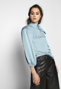 Who What Wear - THE ONE SLEEVE - Bluser - powder blue - 0