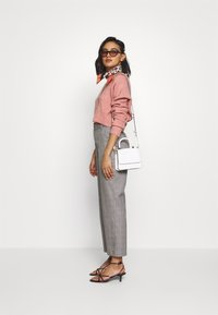 Who What Wear - THE BOXY - Cardigan - pink - 1
