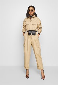 Who What Wear - THE UTILITY JUMPSUIT - Jumpsuit - sand - 1
