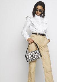 Who What Wear - SAIDE - Handbag - black - 1