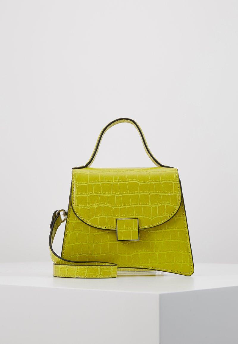 Who What Wear - BERNNAN - Handbag - limeade