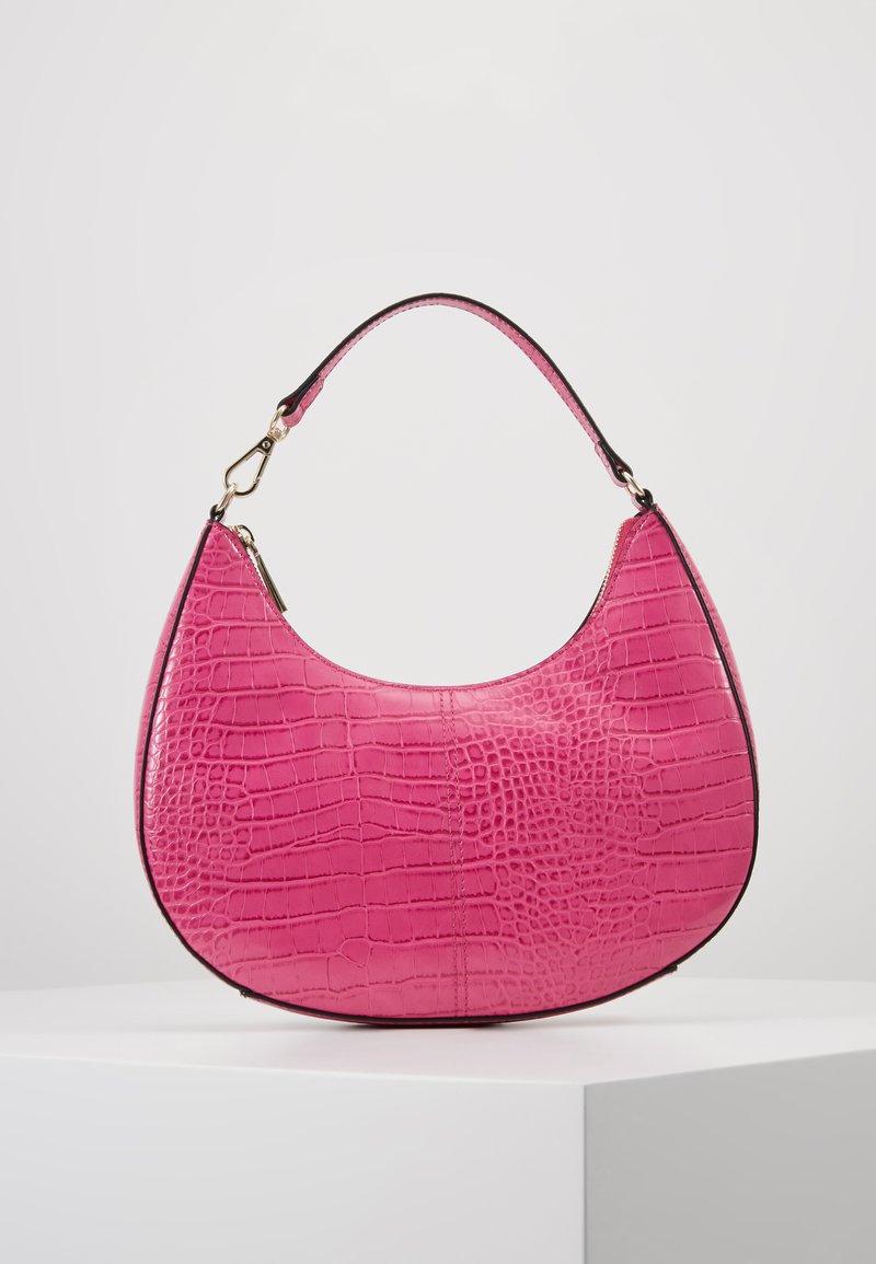 Who What Wear - SEELEY - Käsilaukku - hot pink croco