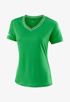 TEAM V-NECK - Basic T-shirt - green