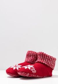Wild Feet - WILD FEET BOOTIE - Slippers - red - 4