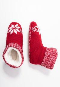 Wild Feet - WILD FEET BOOTIE - Slippers - red - 3