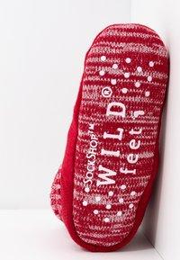 Wild Feet - WILD FEET BOOTIE - Slippers - red - 6