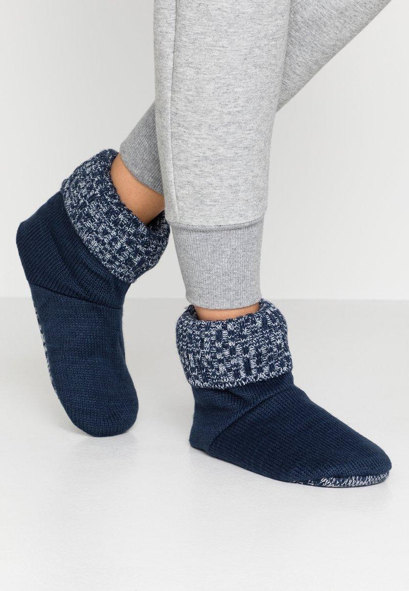 Wild Feet - WILD FEET BOOTIE - Slippers - navy