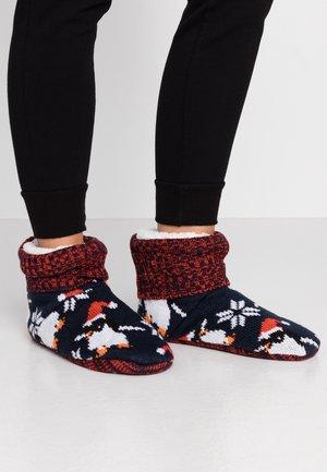 WILD FEET BOOTIE - Slippers - navy