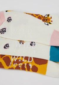 Wild Feet - GIRAFFE TRAINER SOCKS 3 PACK - Sokker - multi - 3