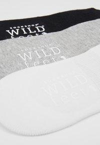 Wild Feet - INVISIBLE SOCKS 3 PACK - Sportovní ponožky - white - 2