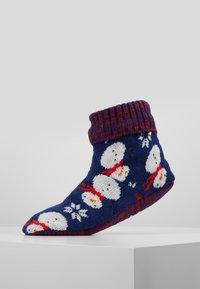Wild Feet - WILD FEET SNOWMAN SLIPPER BOOTIE - Chaussettes - multi - 0
