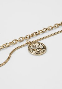 Wild For The Weekend - IN WFTW WE TRUST LAYERED NECKLACE - Kaulakoru - gold-coloured - 4
