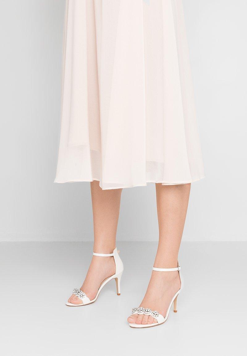 Wallis - SQUASH - High heeled sandals - white