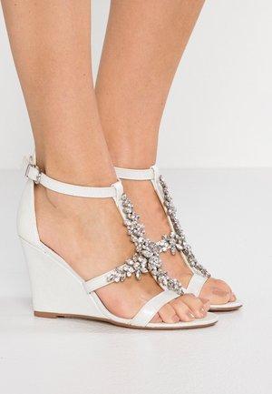 SINGING - High heeled sandals - white