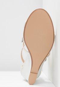 Wallis - SINGING - High heeled sandals - white - 6