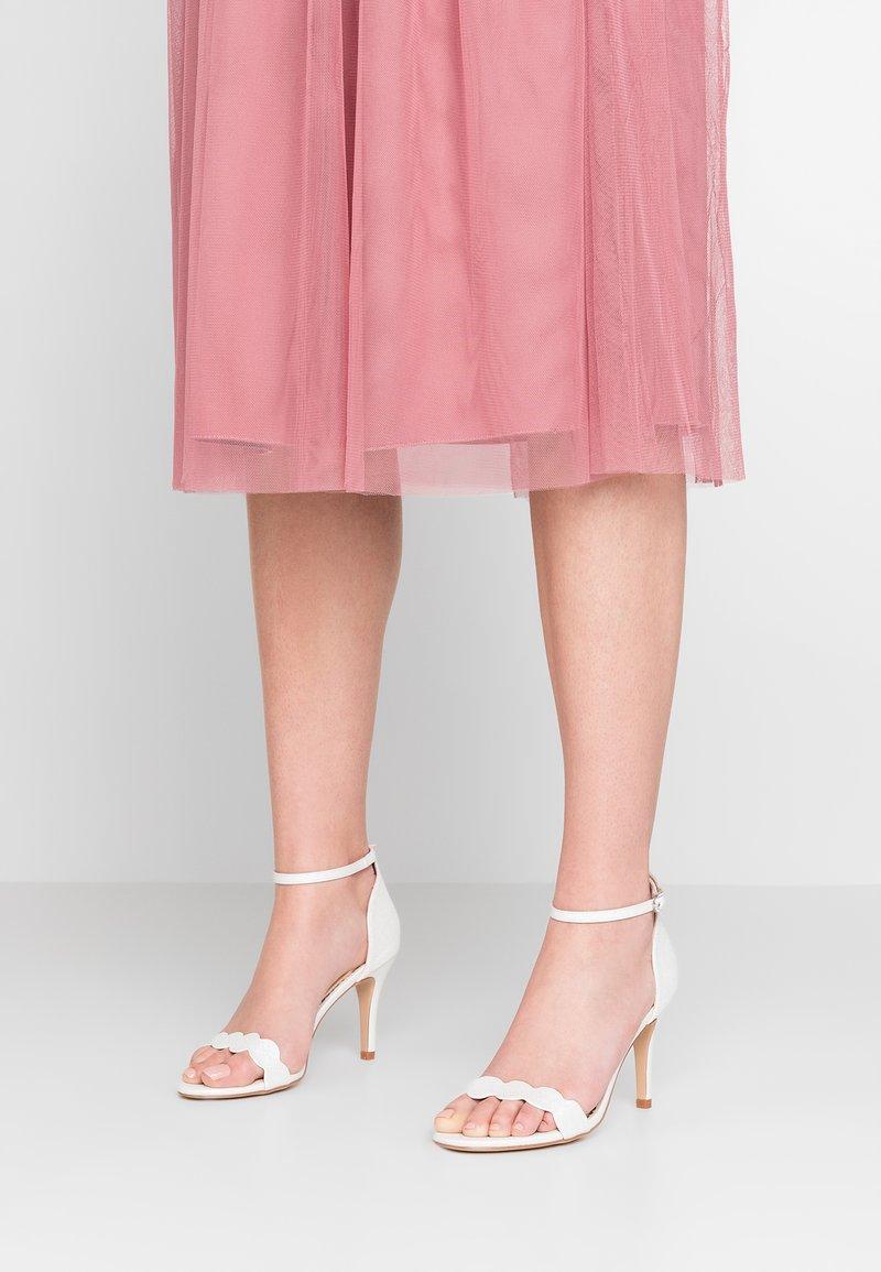 Wallis - SOULMATE - High Heel Sandalette - white