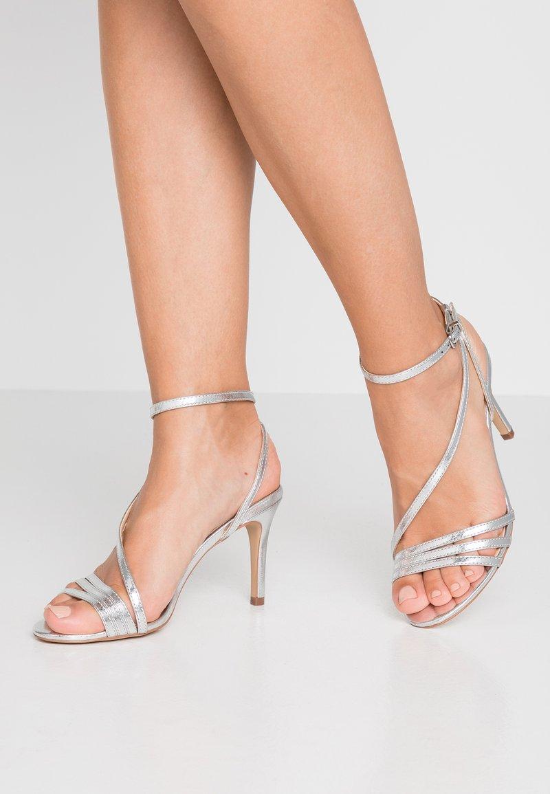 Wallis - PARTY - Højhælede sandaletter / Højhælede sandaler - silver