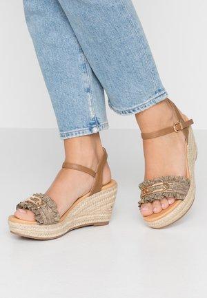 SALAD - Korkeakorkoiset sandaalit - natural