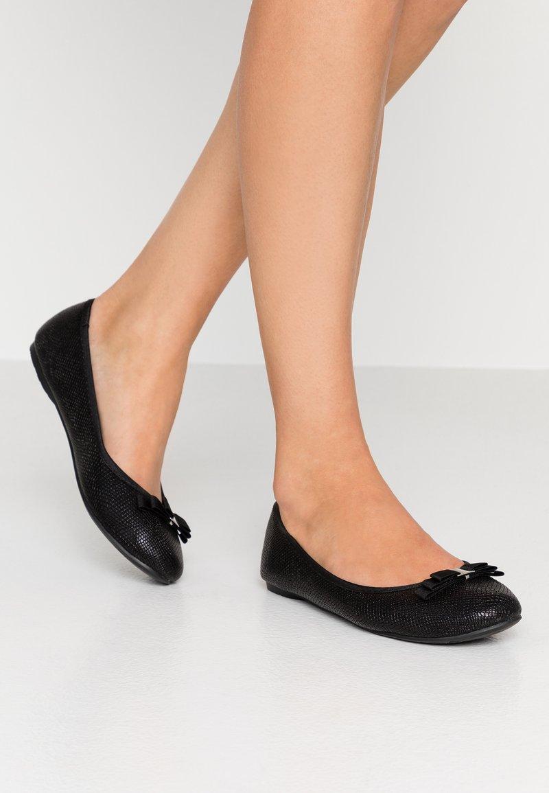 Wallis - BERLIN - Ballet pumps - black