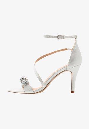 SANTIAGO - Sandalen met hoge hak - white shimmer