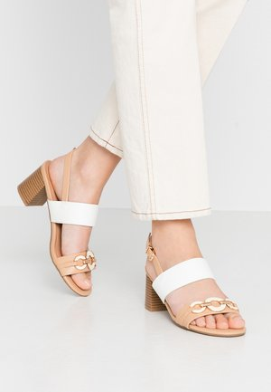 STEPHANIE - Sandalias - neutral/white