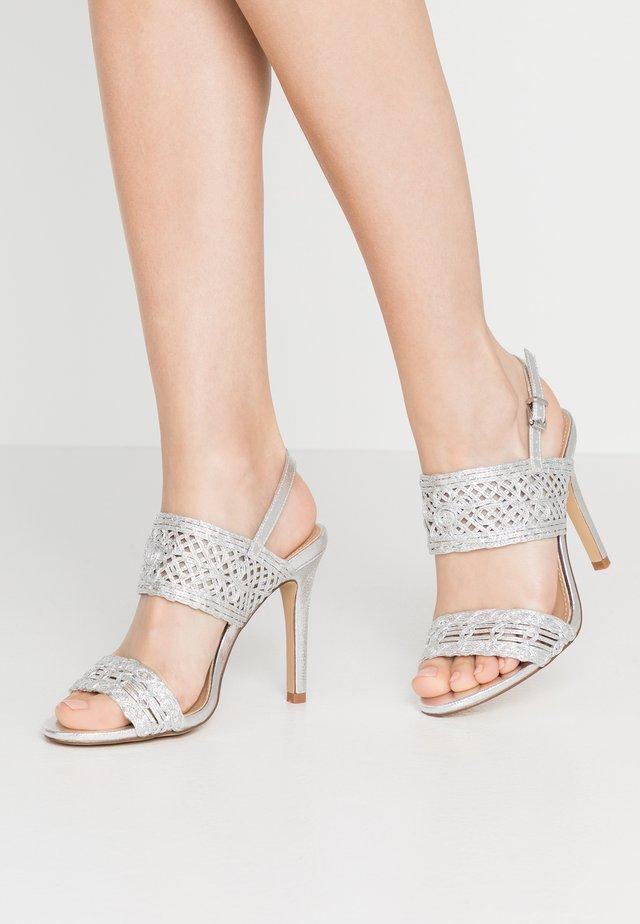 STILLA - Sandalen met hoge hak - silver