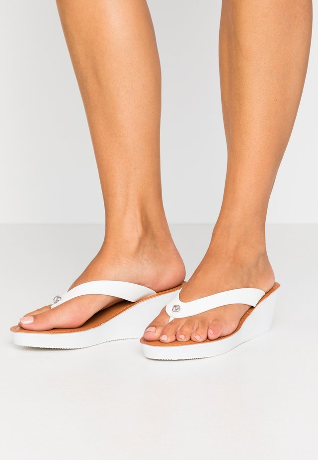 SPRINGER - Slippers - white