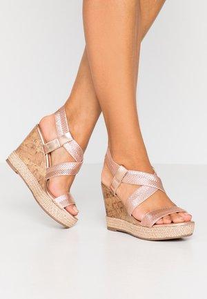 SURI - Sandaler med høye hæler - gold