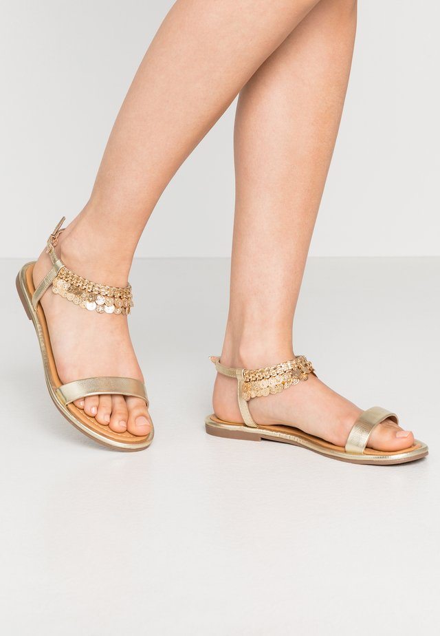 SINGAPORE - Sandals - gold