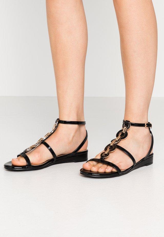 SHERWOOD - Sandalen met sleehak - black