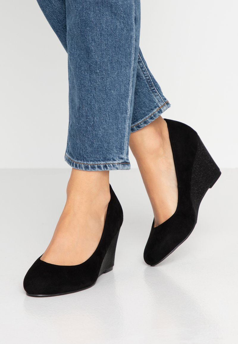 Wallis - CHELSEA - Keilpumps - black