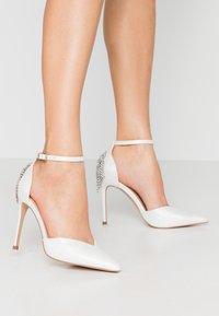 Wallis - CLEMETIS - High heels - white shimmer - 0