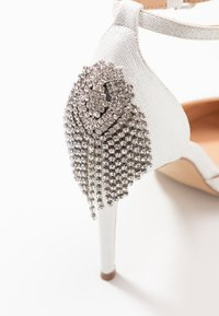 Wallis - CLEMETIS - High heels - white shimmer - 2