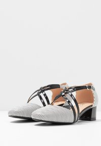 Wallis - COREY - Avokkaat - black/white - 4
