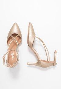Wallis - CECILIA - Classic heels - gold - 3