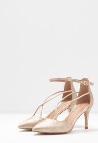 Wallis - CECILIA - Classic heels - gold - 4