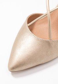Wallis - CECILIA - Classic heels - gold - 2