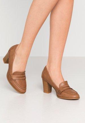 CHANNING - Classic heels - tan