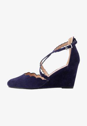CORAL - Zapatos de novia - blue