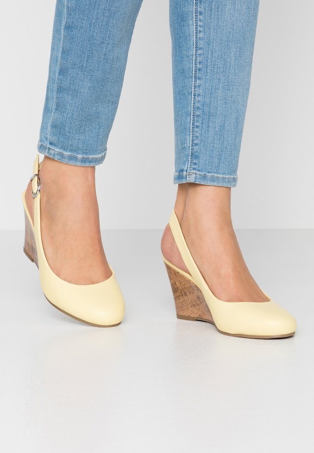CALLIE - Wedges - yellow